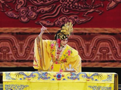 李桂莲带来了晋剧《点粮上殿》和《武则天与徐人杰》