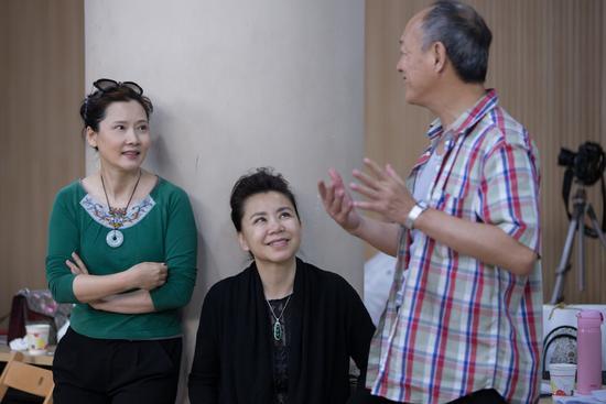 何赛飞和金士杰加入音乐剧《杨月楼》,展示京剧实力