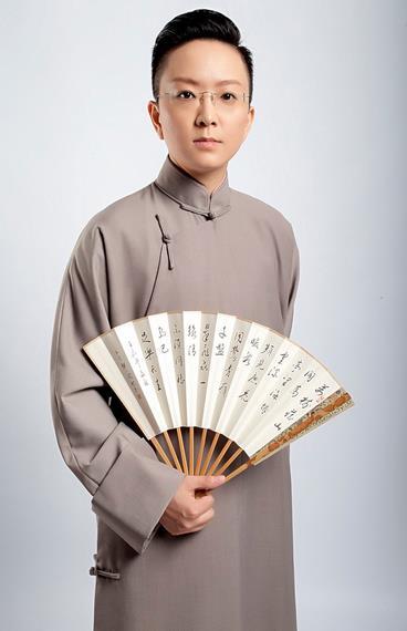 俞老板创新、传播并获得了一批新粉丝,他们第一次涌向剧院看京剧。