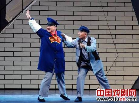 16日,中国平剧剧院上演了一部大型现代鞠萍戏剧《马本仓正史》