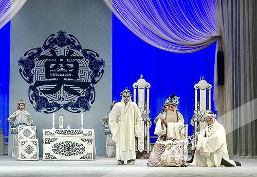 重庆京剧团和Xi派著名戏剧《白蒂》赴天津进行中国京剧视频采集项目的录制