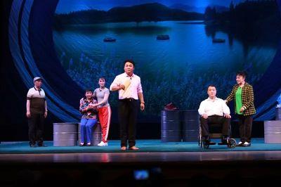 大型现代歌谣《潮白族》在唐山的演出受到好评。