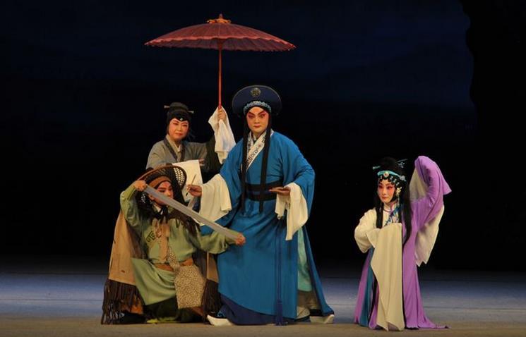 云南京剧院新创作的反腐京剧《天路》将在北京上演。
