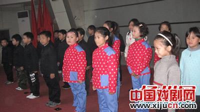 扬州报业的小记者京剧团在这里首次亮相。