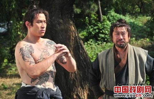 中国经典戏剧《钓鱼与杀人》的精髓被改编成电影。