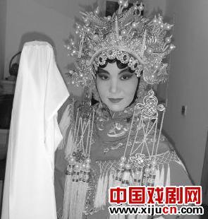 出国学习京剧已经成为一种时尚。