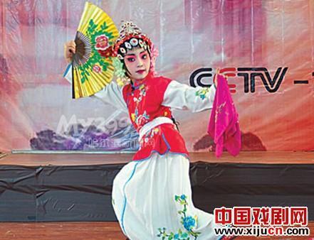 龙江儿童向中央电视台唱京剧