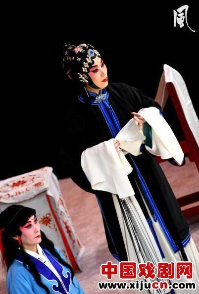 """著名的程派艺术家迟小秋在美国梨园表演经典""""三娘""""的剧照。"""