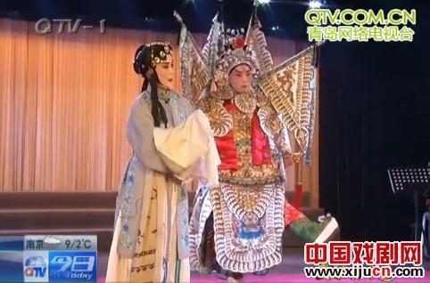 """""""京剧夫妇""""赵胜良和洪佳怡已经爱上京剧57年了。"""