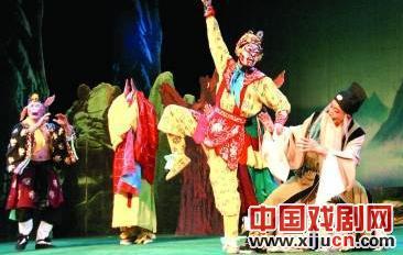 宁夏京剧团、江西京剧团和河南京剧团正在上演主要的家庭观赏剧。