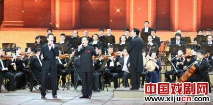 余奎志带外国人唱京剧