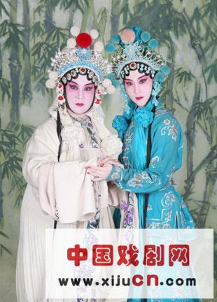 """一直被称为""""小青衣""""的年轻演员托儿所最近在网上看到了一组京剧花旦的肖像。"""