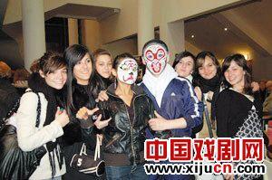 天津京剧剧院满载而归欧洲和商演