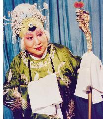 小军亭,一位拿着旧宝刀的戏曲评论家