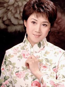 4月14日,长安大剧院上演了京剧《月亮喜归汉》、《飞虎山》和《两座房子》