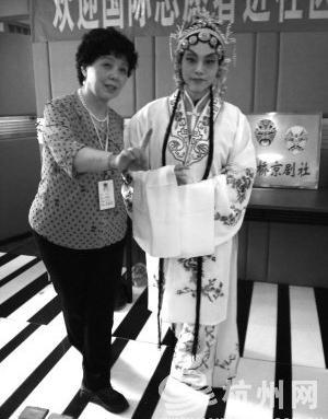 金桥京剧俱乐部欢迎儿童和年轻人体验京剧文化