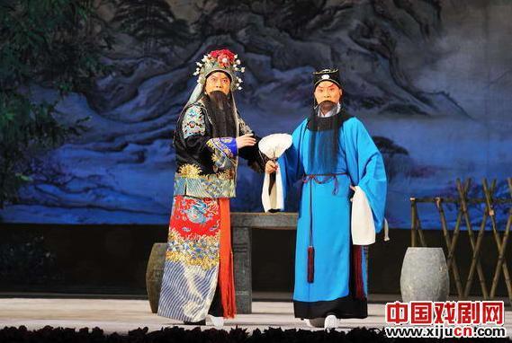 由Xi学派著名的张建国领衔的新京剧《吴侯祥》的《卧龙山》和《儒者舌战》系列已经进入排练后期。
