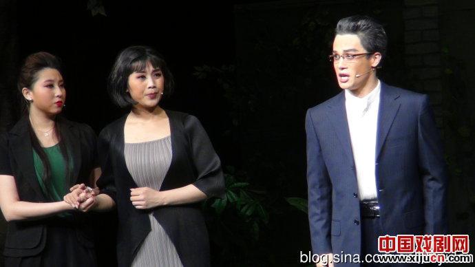 鞠萍现代大型歌剧《什刹海》出现在优秀地方歌剧的演出中。
