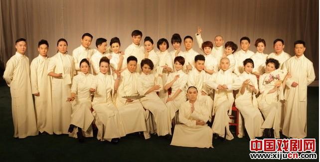 """来自北京歌剧院的29名年轻演员参加了2013年""""著名戏剧月""""闭幕式的角逐"""