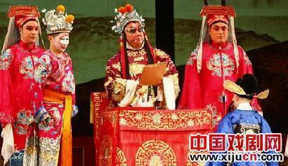 郭德纲上演了京剧《法门寺》,为干旱的西南地区筹集了26万元