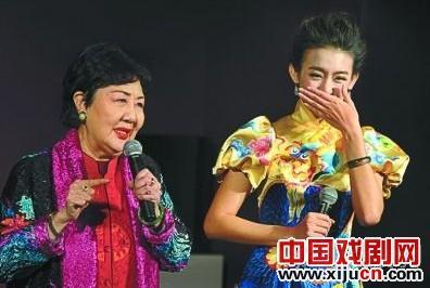 """明年1月4日,侯钰将在长安大剧院举行他的五周年述职表演""""李连杰与俞敏洪不同""""。"""
