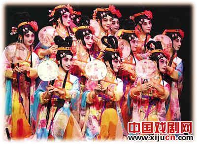 只有保护人民群众和剧团,京剧才能持续发展。