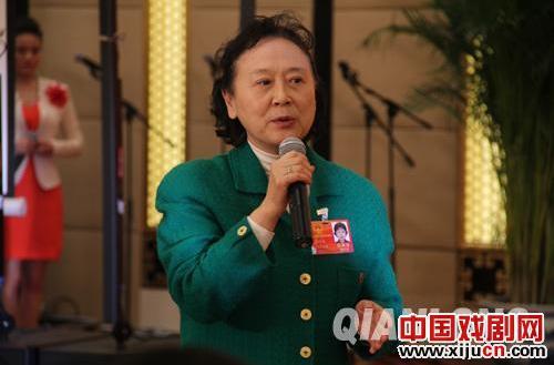 刘长瑜:教白领和大学生理解京剧