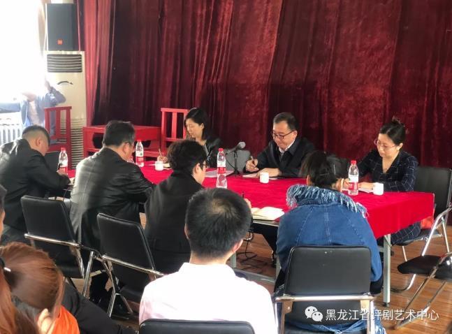 省文化厅副厅长于峰一行参观了省平菊艺术中心进行考察