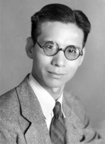 高培清与他制作的京剧唱片