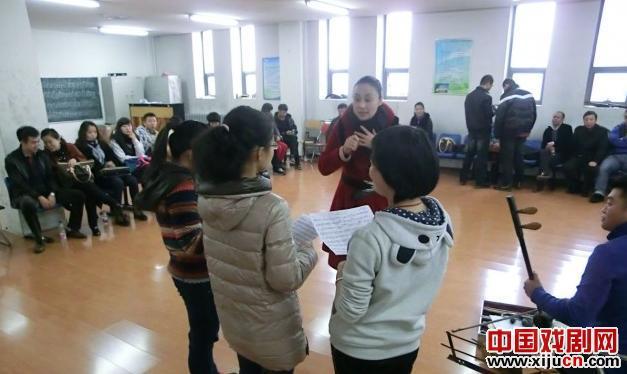 哈尔滨工程大学学生评剧团欢迎来自黑龙江评剧剧院的23名教师