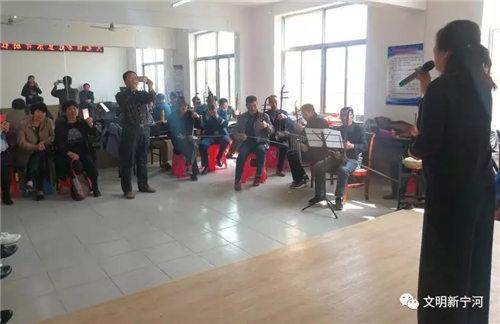 """""""彩虹业余戏剧俱乐部""""在大北江古镇成立并演出"""