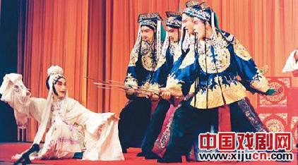 京剧唱出台湾观众乡愁的眼泪