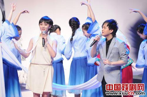 楚·蓝蓝和郑源的《寒江雪》