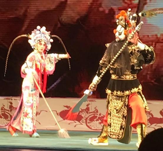 营口评剧《李三娘》演唱北京长安大剧院