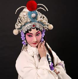 京剧时装学校的新星:吴彤树