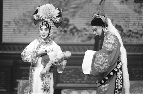 张曼成了女人——访张派演员章雷·雷