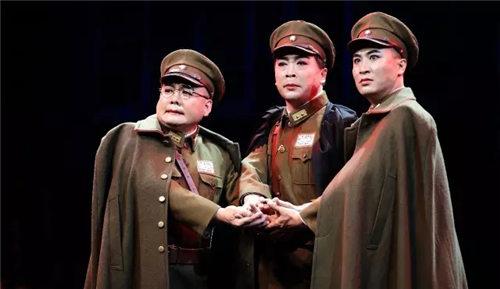 周二,武凌云主演了新的革命历史金剧《樊婷的延续》