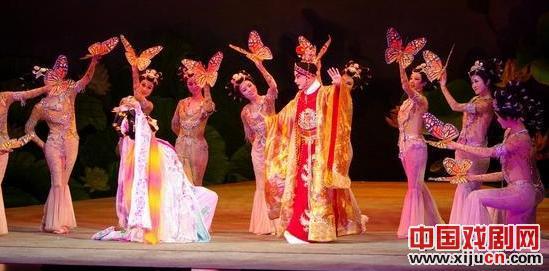 《蝴蝶海情》用京剧旋律谱写舞曲