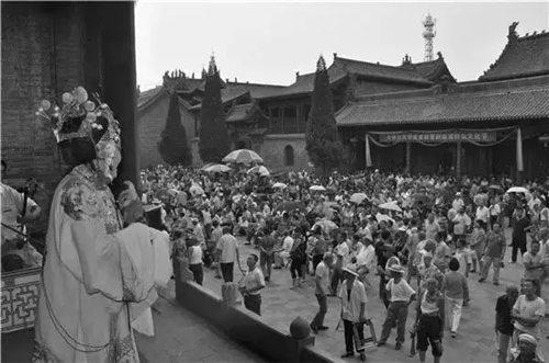 介休关帝庙首届晋剧音乐会群众文化节开幕,山西省戏剧大师祝贺并演唱