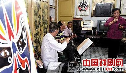 """武汉、宜昌京剧投票人开展""""迎党建促国粹""""友谊活动"""