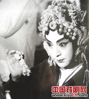 """沈铁梅的父亲沈复春是""""梨园的领袖""""和""""重庆的张君秋"""""""