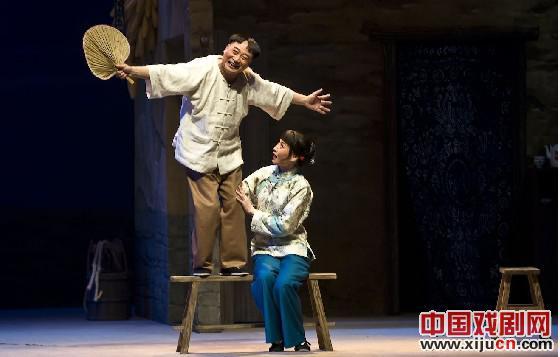 青岛京剧剧院上演的现代京剧《托格与金兰》于22日来到北京演出。