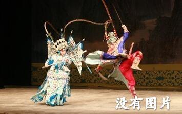 天津青年京剧团演员单颖主演了《苏三·齐杰》
