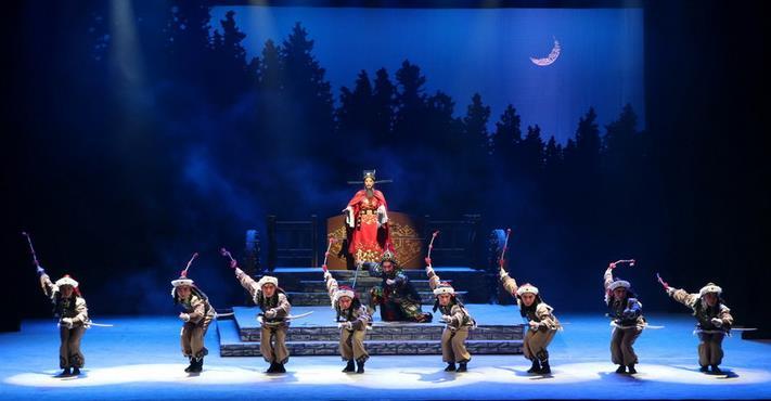 五月一日在龙城剧院上演的晋剧《巴尔思御史》