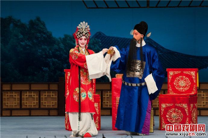 天津艺术职业学院评剧白排班新星闪耀2013年底
