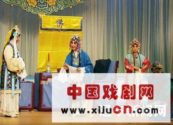 """沈阳市组织的""""奉天罗子""""小剧团录制了《奉天罗子》的6首传统咏叹调和整部《桃花源记》"""