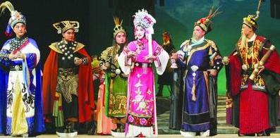 云南京剧剧院上演京剧《白洁的贵妃》