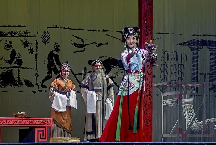 新历史京剧《新竹》的舞台与幕后