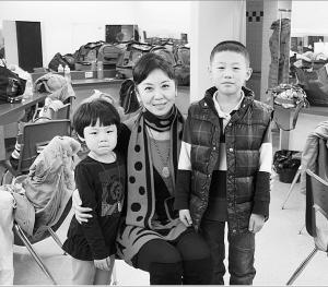 10岁的男孩张宣琴将在裴炎陵大剧院举行私人演出。