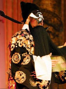 7月18日,长安大剧院上演了京剧《查包勉赤桑镇遇见皇后龙袍》